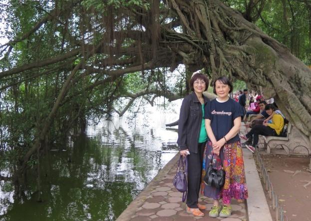 Hồ Gươm - Minh Nguyệt, Mai. Photo: TốngMai