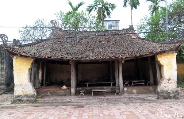 Làng cổ Đường Lâm. Đình làng. Photo: TốngMai