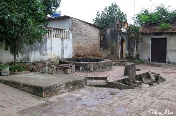 Làng cổ Đường Lâm. Photo: TốngMai