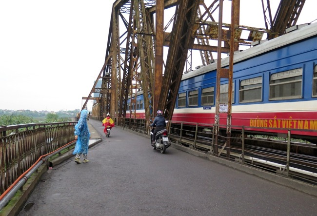 Cầu Long Biên. Photo: TốngMai