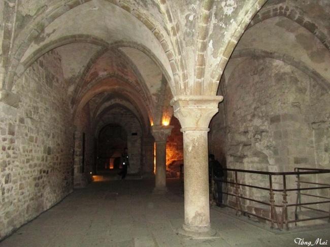 Knights' hall, la Merveille, abbaye de Mont Saint-Michel. Photo: TốngMai
