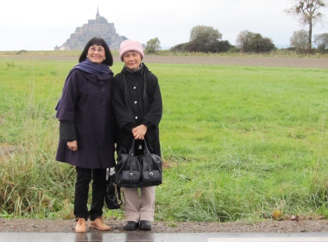 Mont Saint-Michel. Nguyet & Mai. Photo: Lionel