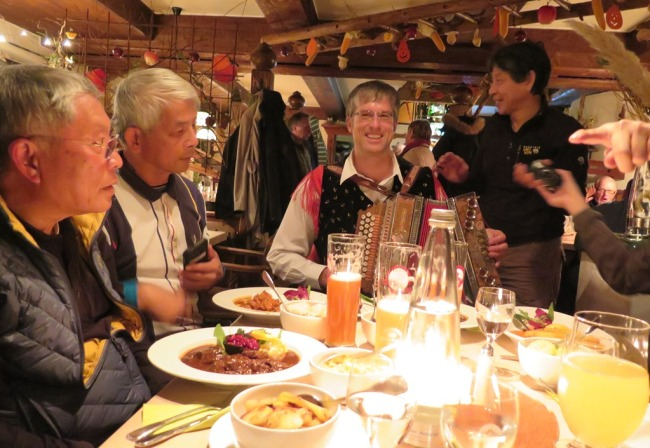Mai 2015 - Paris, Germany, Budapest - Germany - Garmisch Partenkirchen - Dinner2f