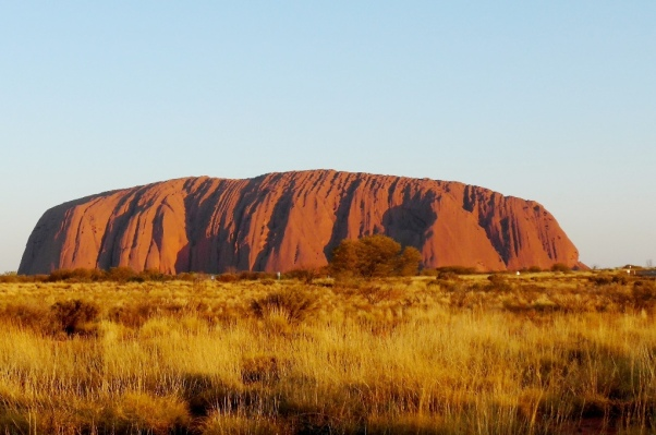 Melboune - Ayers Rock Uluru. Photo: TDLoc