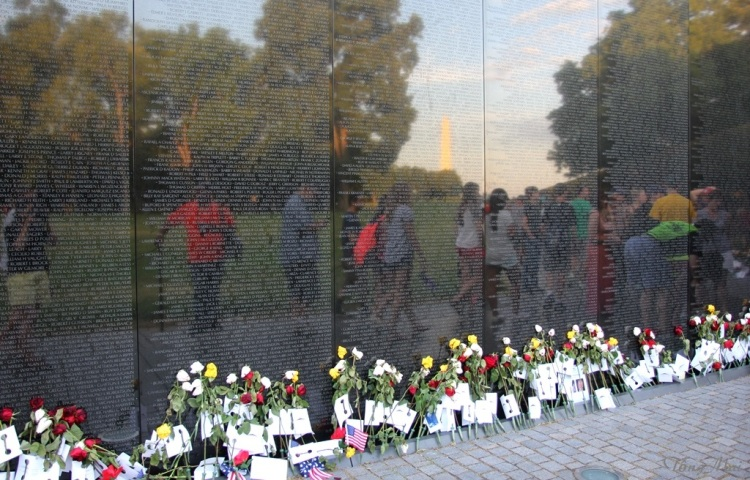 Mai 2016 - DC walk - VN Memorial2 4q p