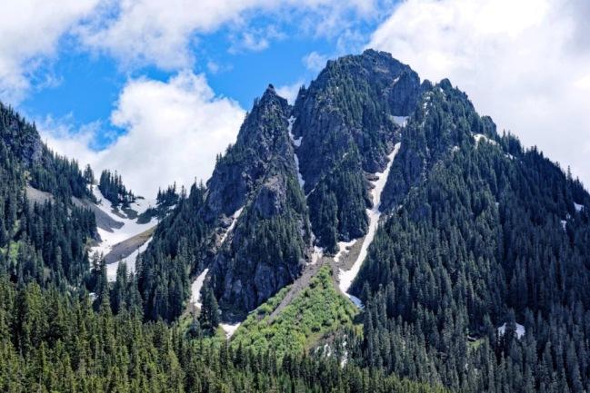 tung6 - Lava bên cạnh Glaciers