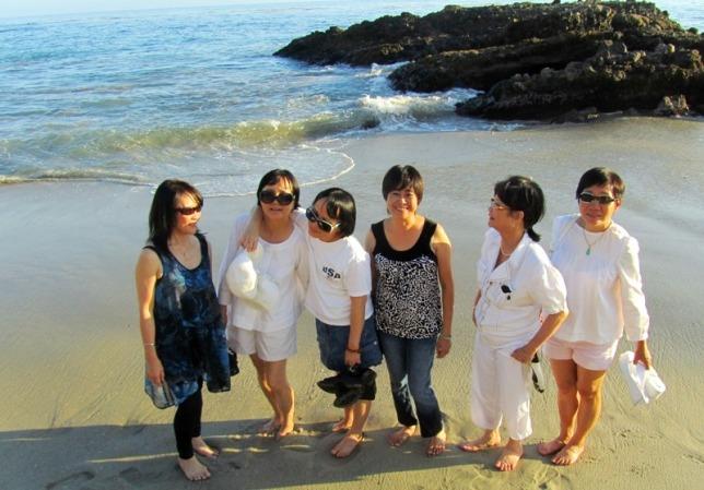 Mai 2012 - LA - Laguna Beach - Ngoc Huong, Chau, Mai, Tuy Ngoc, Thu Huong, Hanh