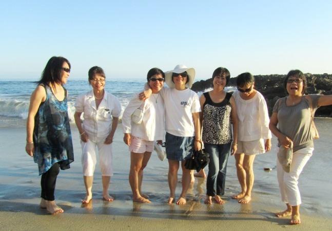 Mai 2012 - LA - Laguna Beach - Ngoc Huong, Th Huong, Hanh, Mai, Tuy Ngoc, Chau, Tam