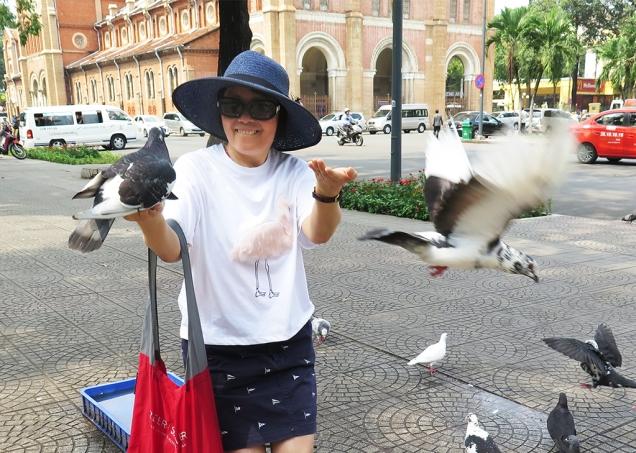 mai-2017-vn-sg-di-shopping-voi-cuc-mai9b